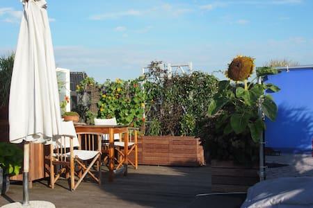 Spacious apartement terrace/beach