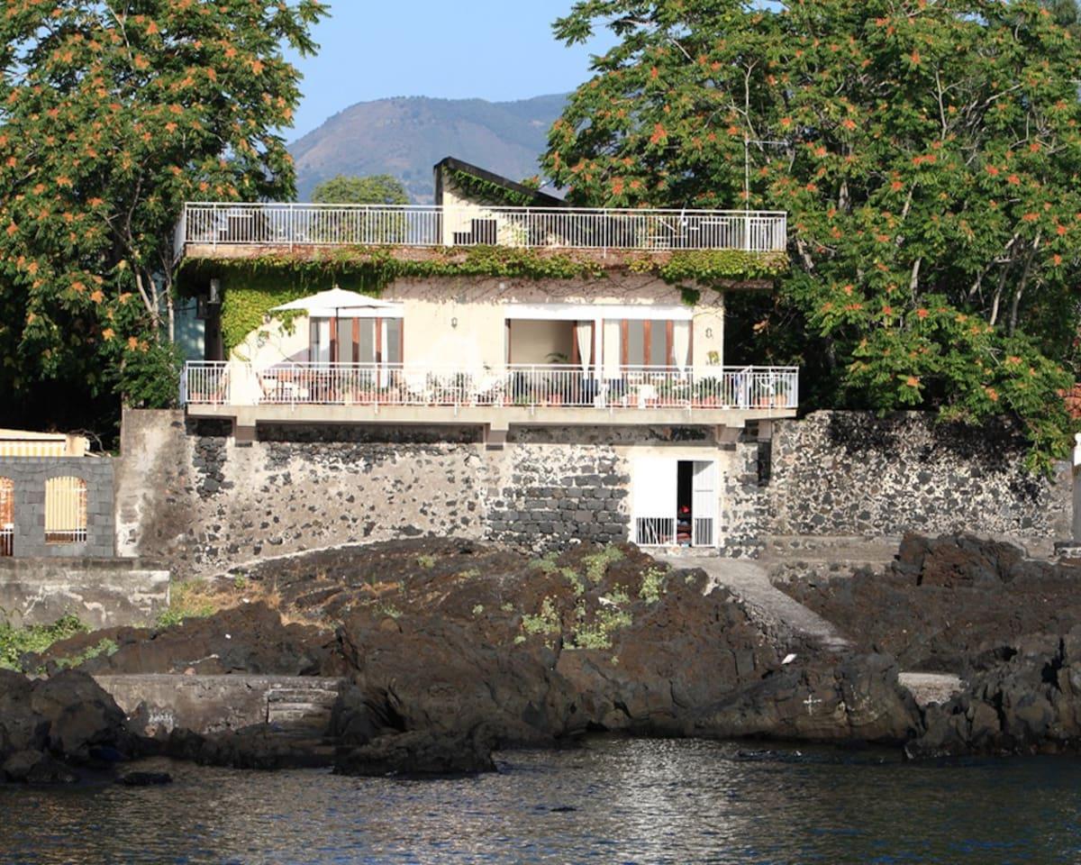 Questa é la Villa vista dal Mare