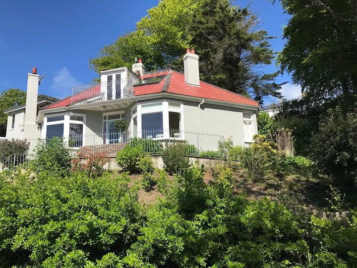 Charming Shabby-Chic Salcombe Holiday Home