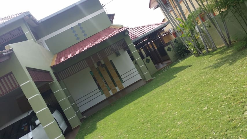 Spacious Lovely Home - Klebang Besar - Talo