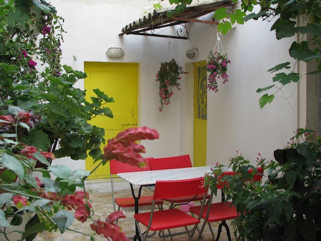 Traditional Village House1 + WIFi  Sea Walks Relax - Sinarades - Lejlighed