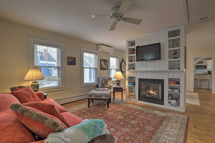 NEW! Kennebunk Cottage w/ Yard < 1 Mi to Beach!