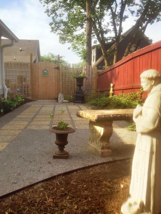Private Courtyard Garden