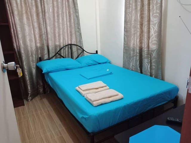 Affordable Aircon room #2  in downtown free wifi