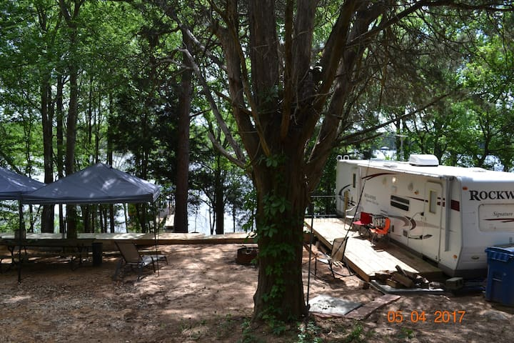 RV on Lake Tyler East - Tyler - Asuntoauto