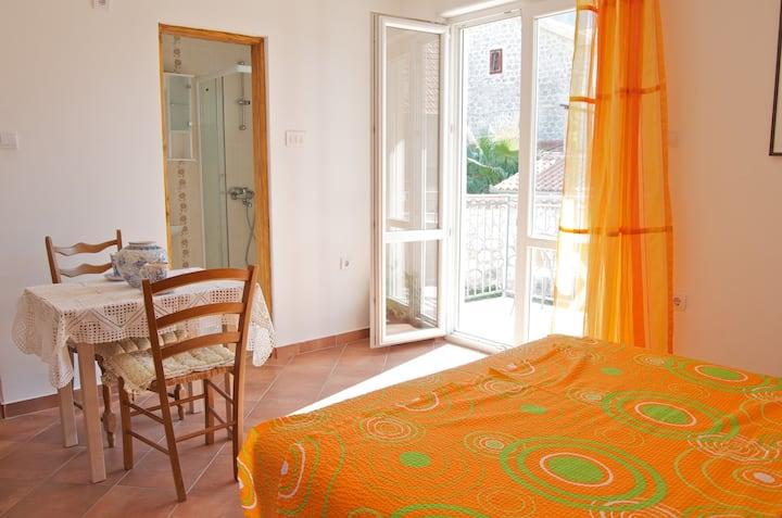 apartments Montenegro risan studio