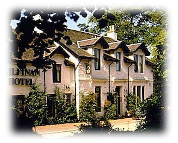 Scottish hospitality at its best - Kilfinan - Bed & Breakfast