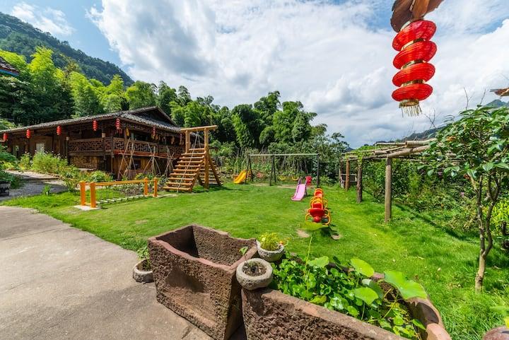 【八戒】张家界国家森林公园/四居室独栋木屋/免费停车