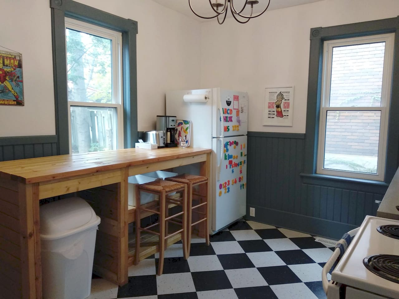 Kitchen with Breakfast Bar and Stools