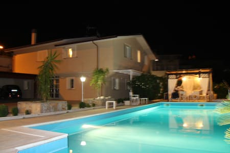 Apartment in villa with heated swimming pool !!! - Case Alte