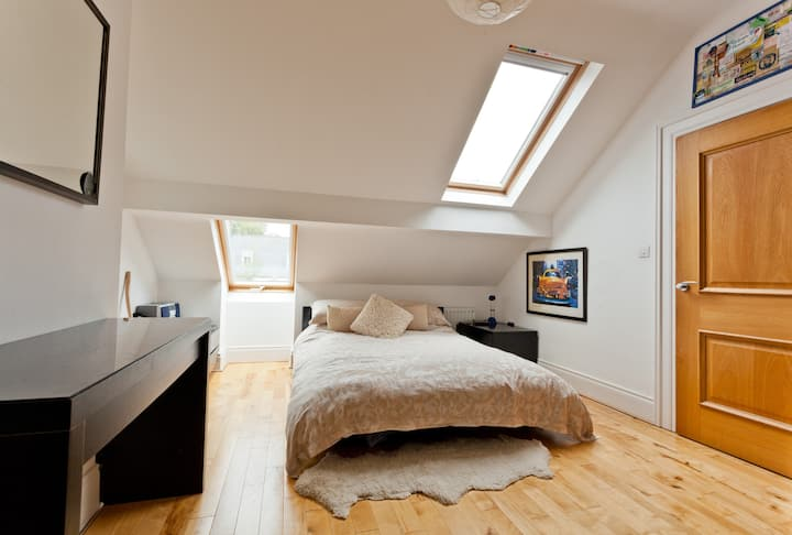 Comfortable kingsize in warm home