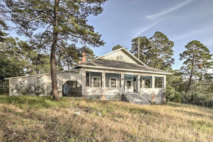 NEW! 'The Belle' Harborview 2BR Home in Carrabelle