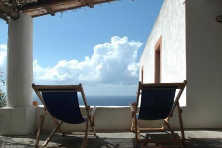 Sicily- Eolian islands -Salina - Malfa - 단독주택