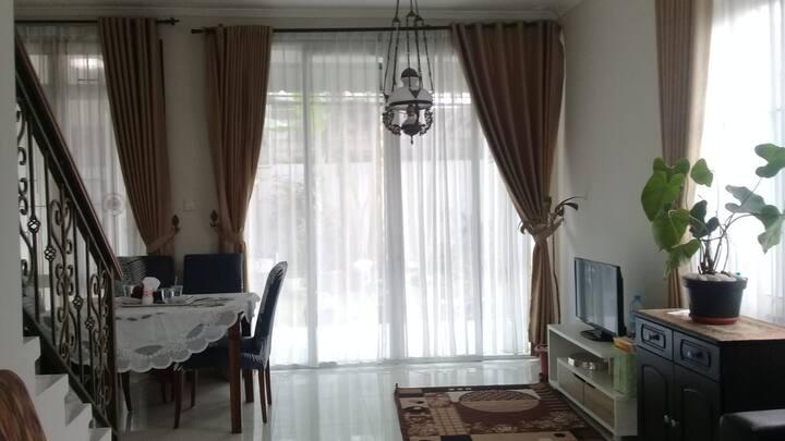 Rumah di  Sentul City dekat Junggleland