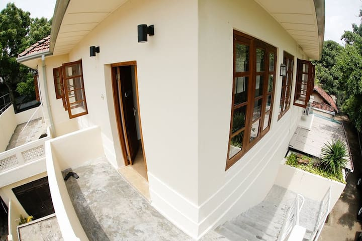 Charming 1930s Charles Way Home - Colombo - Wohnung