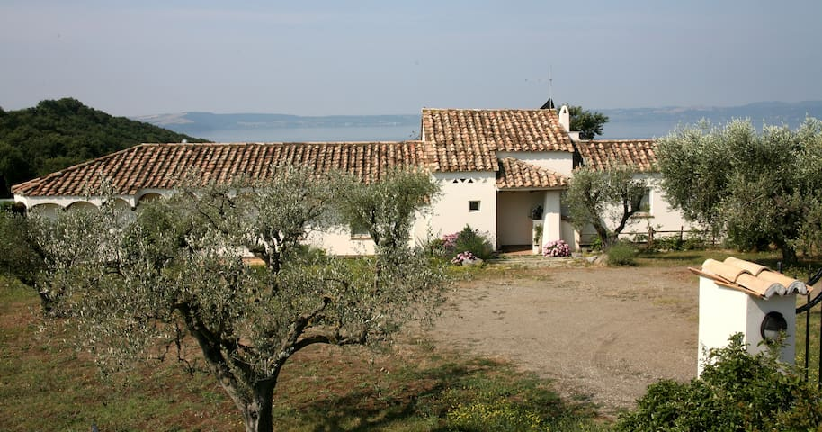 Lakeside paradise near Rome  - Trevignano Romano - Villa