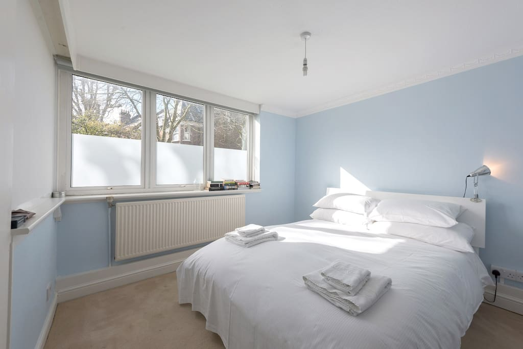 Spacious Bedroom, with Cupboard Space