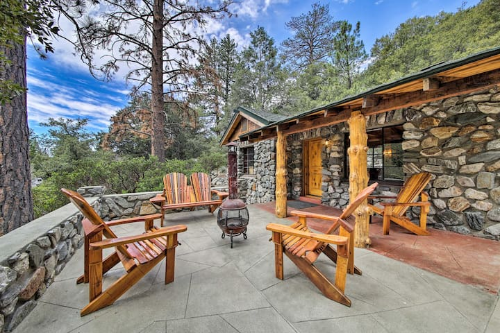 NEW! Pet-Friendly Cabin in the Heart of Mt. Baldy!