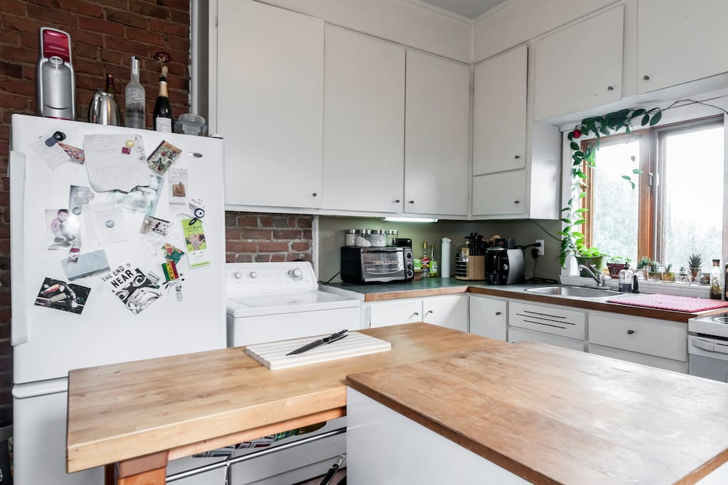 Butcher block, space in the refrigerator and cabinet for you