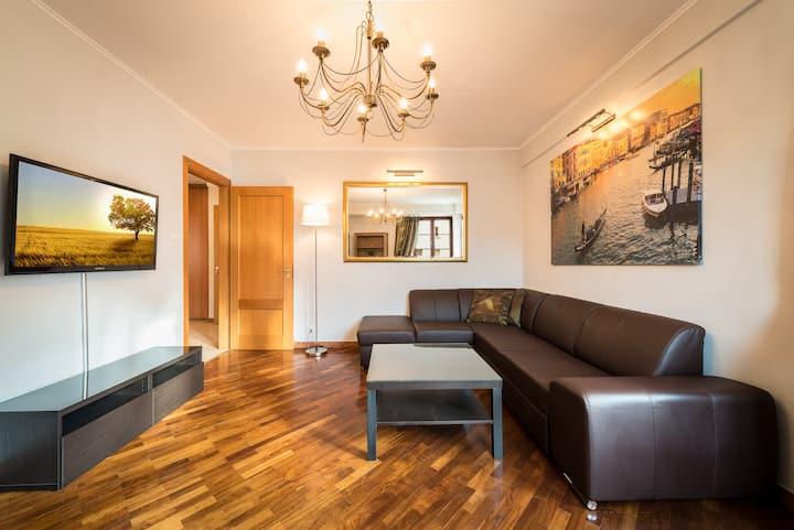 TopLoc.  2bdr + living room Galeria Italiana