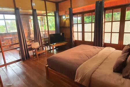 Kanecha's Home Lampang (Teak House)