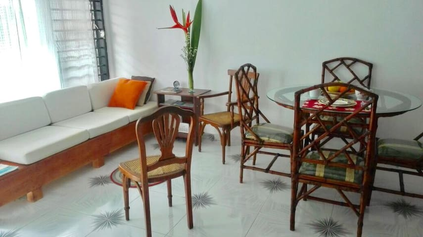 Comfortable double room in Getsemani with AC