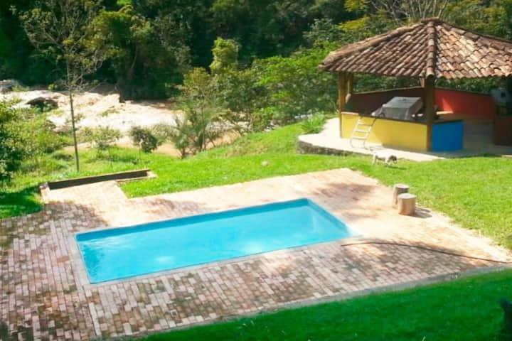 Sítio em Nova União com vista p/ a Cachoeira.