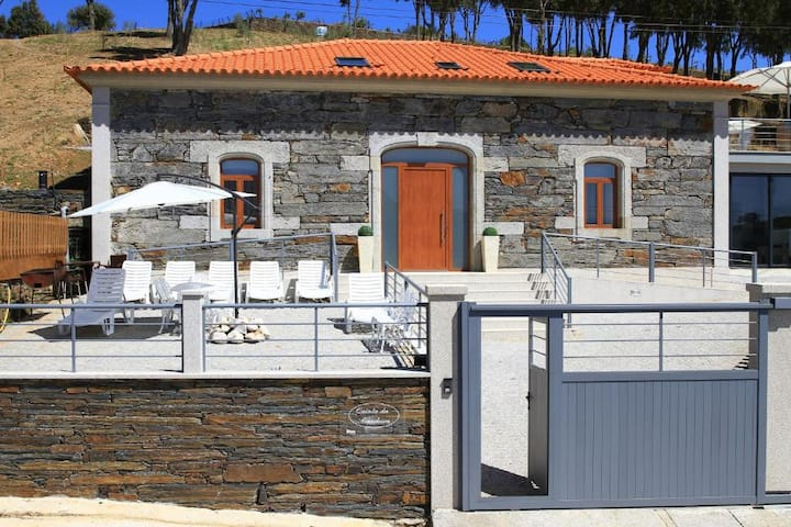 House with private pool near Douro