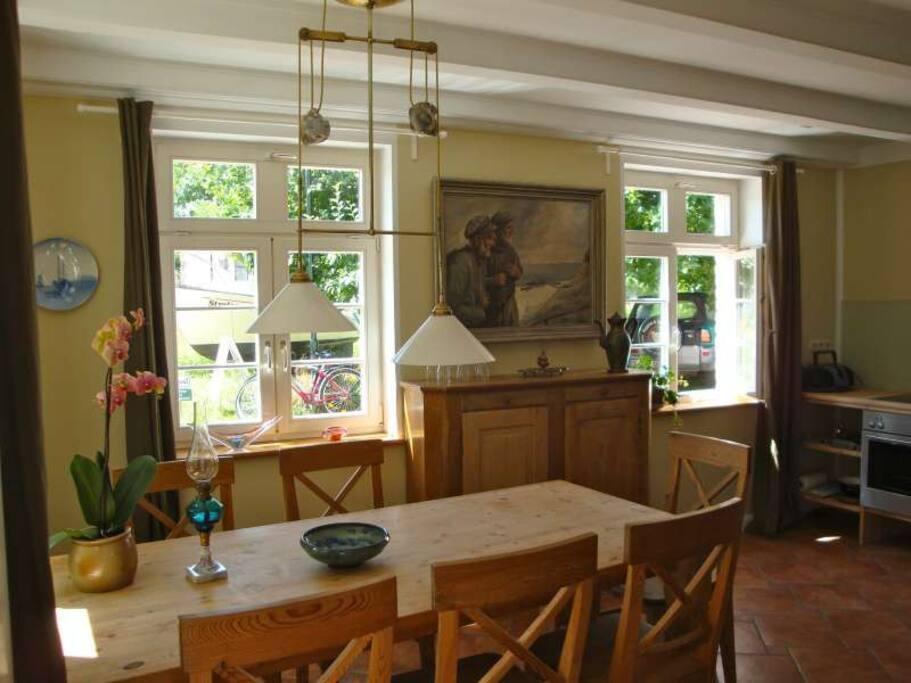 wunderh bsche wohnung f r 4 perle wohnungen zur miete in putbus mecklenburg vorpommern. Black Bedroom Furniture Sets. Home Design Ideas