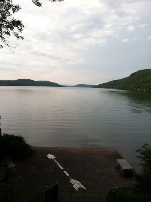 Walking distance to this lake!