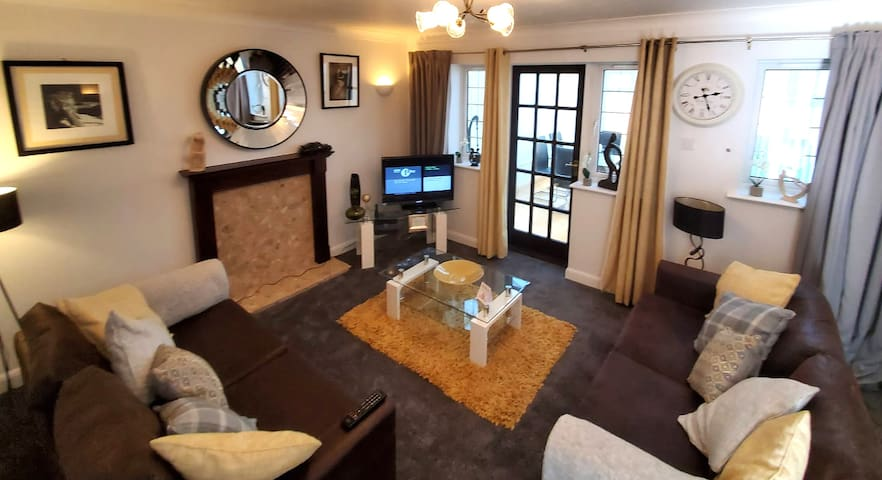 Bicester Serviced Accommodation room 2