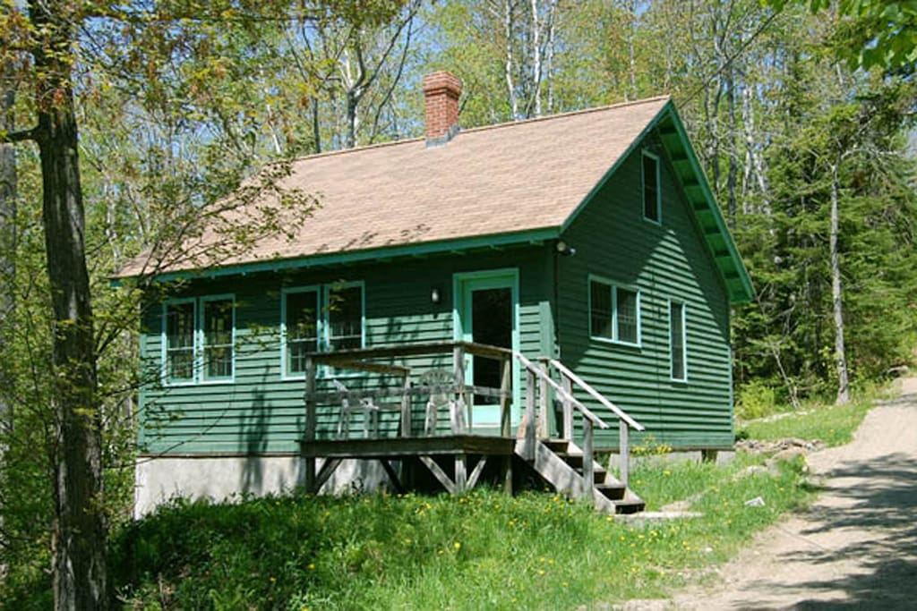 Guest cottage located about 200 feet from main house. Can be rented separately in off-season