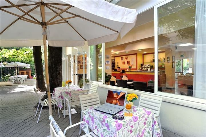 A little hotel in Rimini close to the beach - Rimini - Bed & Breakfast