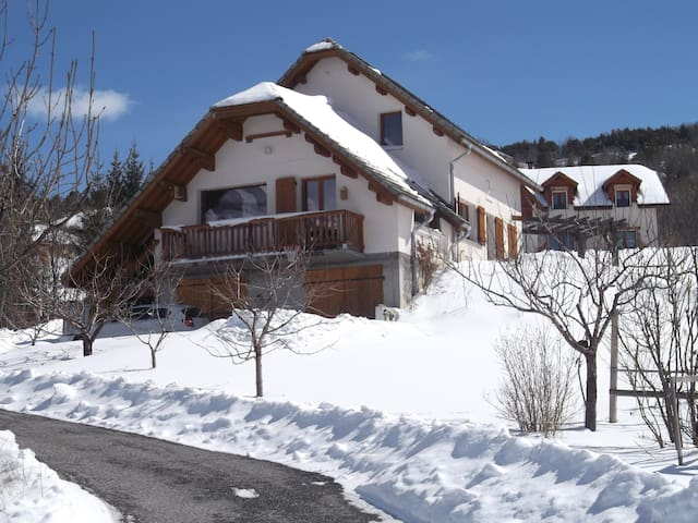 Cosy Studio, French Southern Alps - Enchastrayes - Daire