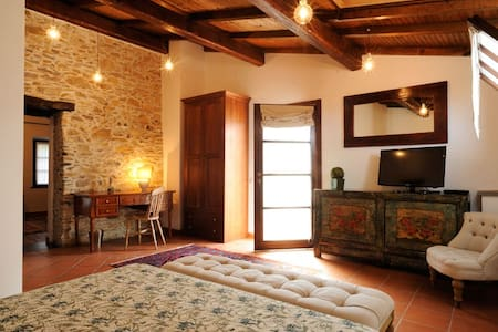 Garlenda Country House B&B Suite - Garlenda - Szoba reggelivel