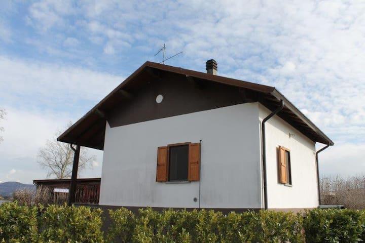 Lago Pusiano - Como - Erba Fishing - Eupilio - House