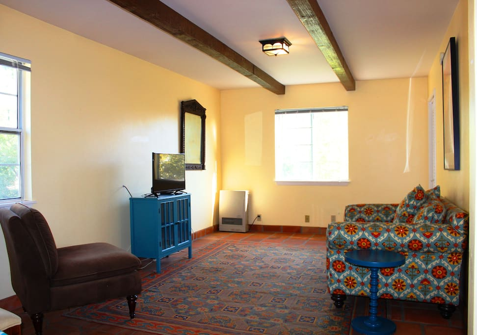 Spacious one bedroom upstairs off street parking - 1 bedroom apartments santa barbara ...