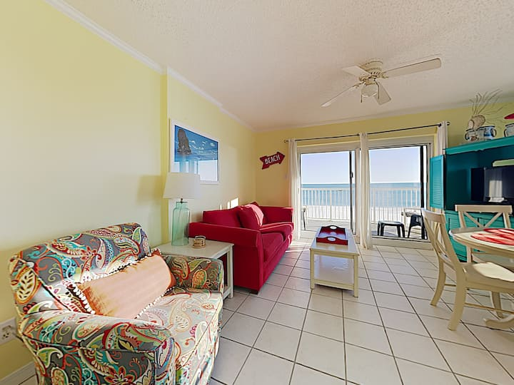 Beachfront Condo with Private Balcony and Stunning Views! Community Pool and Fitness Center