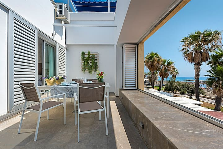 Amazing House in the Beach of Málaga (Pedregalejo)