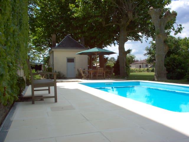 Château viticole jusqu'à 24 pers. - Aquitaine - Castillo