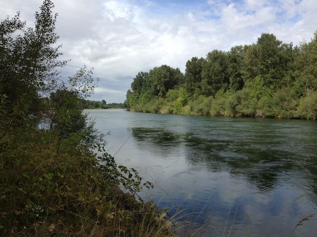 Retreat on the Willamette River