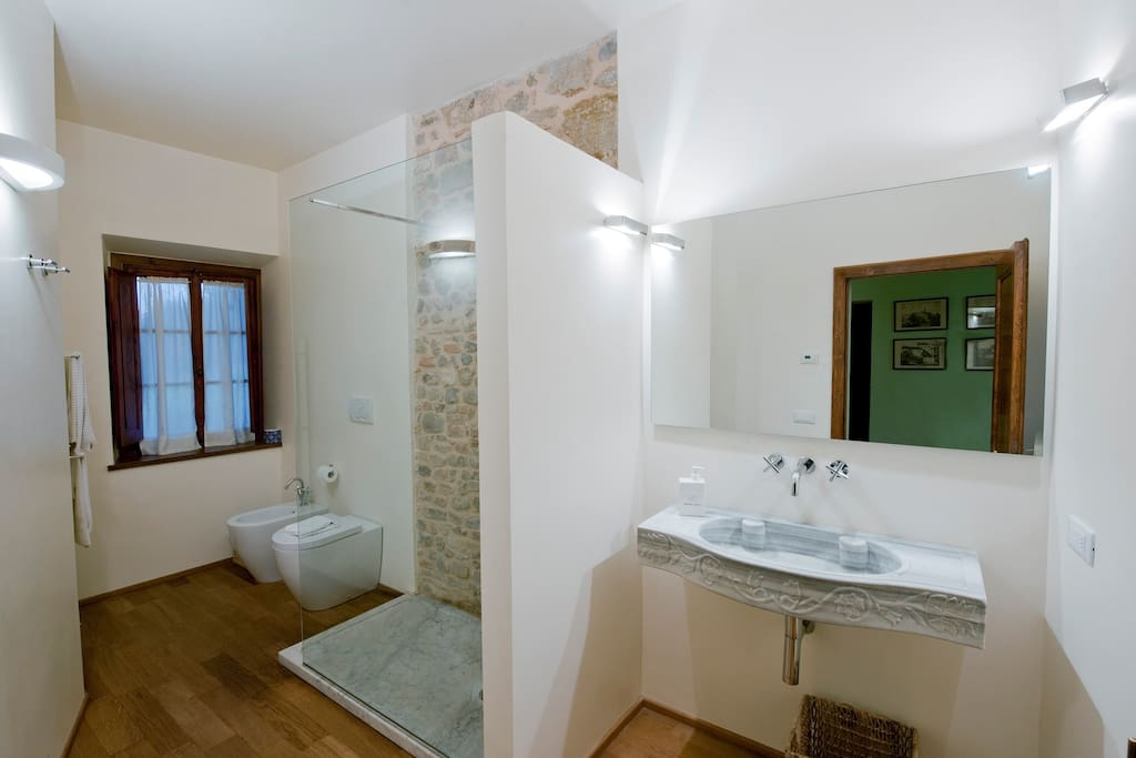 bathroom (private but not ensuite)