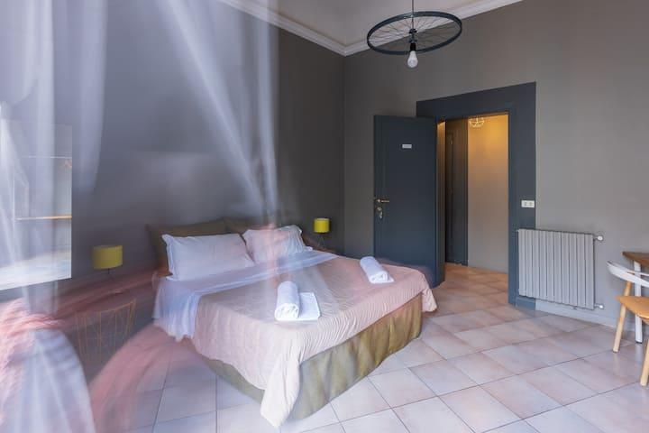 Camera Matrimoniale con bagno privato esterno