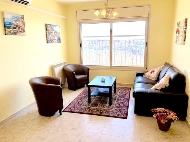 Charming Apartment Centrally Located In Jerusalem!