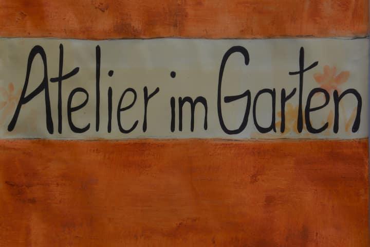 Atelier im Garten in Lieser