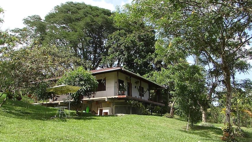 "Casa Campestre ""El Chagualo"""