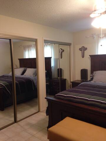 3Bd House in gated neighborhood. - McAllen - Apartment