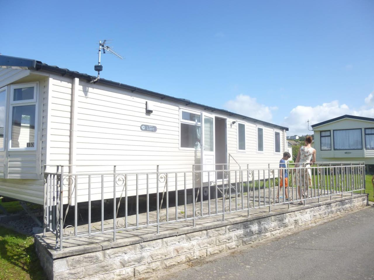 Stunning static home in quiet holiday park 200m from private access to Northam Burrows and Westward Ho! Beach
