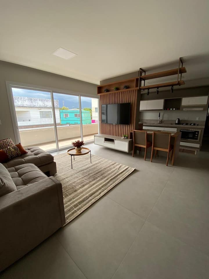 Apartamento 203 inteiro - centro de Praia Grande
