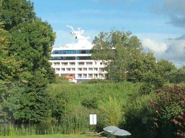 Eider & NOK zum Greifen nah - Nübbel - Dom